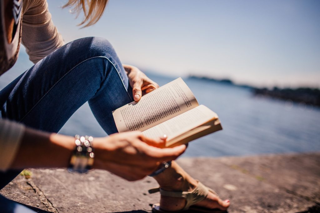 5 Best Books About Travel That You Should Definitely Read 📚